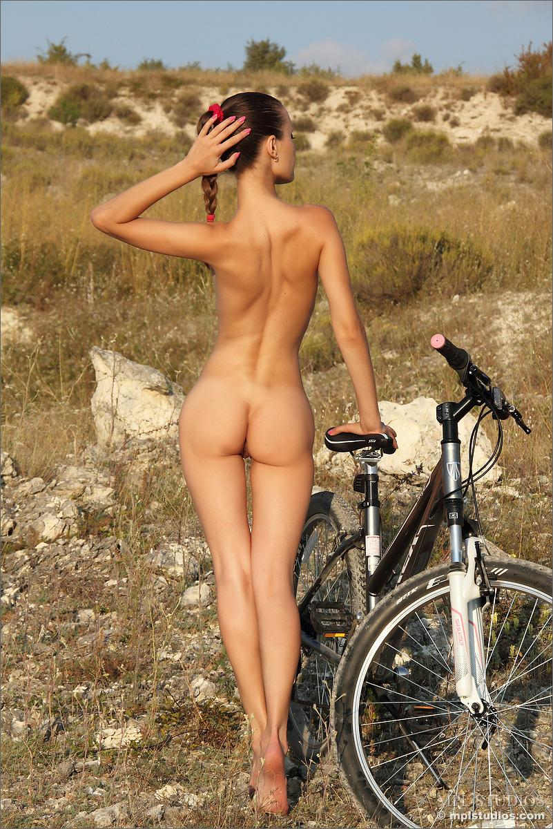 Nude Teens Bicycles 115